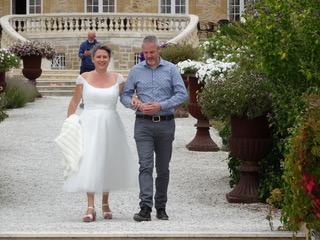Johan en Jolanda voor het kasteel
